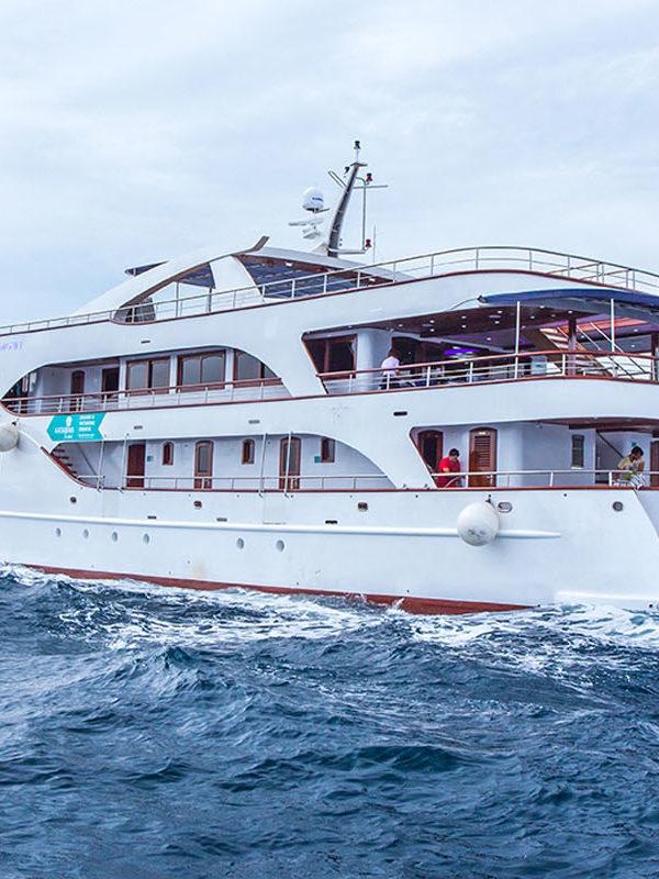 MV Aquamanrin - header